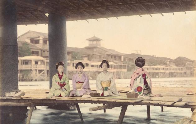 【照片】「三条大橋下的納涼床」(照片提供 國際日本文化研究中心)